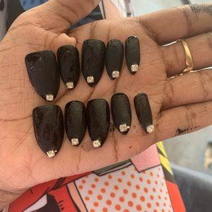 stiletto press on nails w/ adhesive backs & glue
